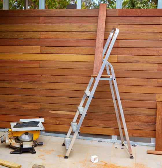 Fence Repair vs. Fence Replacement